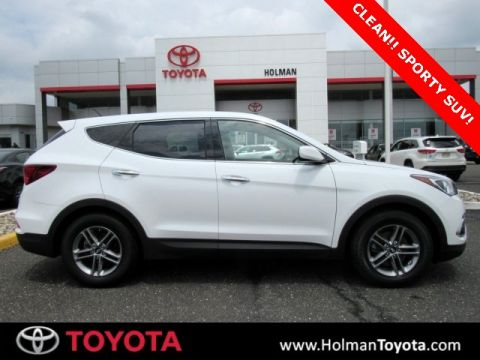 Pre-Owned 2018 Hyundai Santa Fe Sport 2.4 Base
