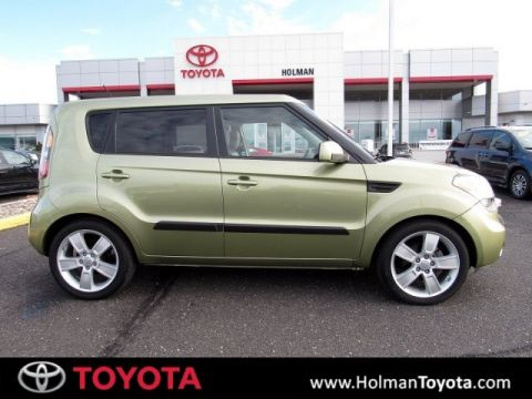 Pre-Owned 2011 Kia Soul Exclaim